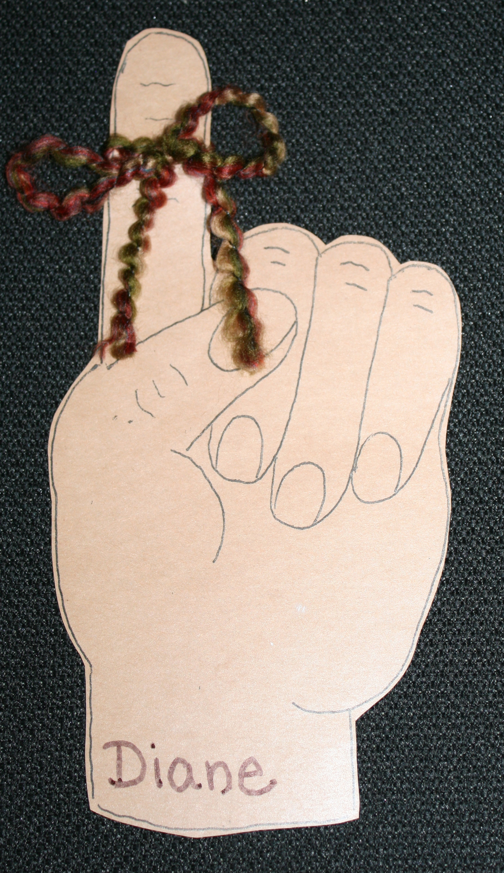 back to school ideas, tie a string on your finger to remember art activity