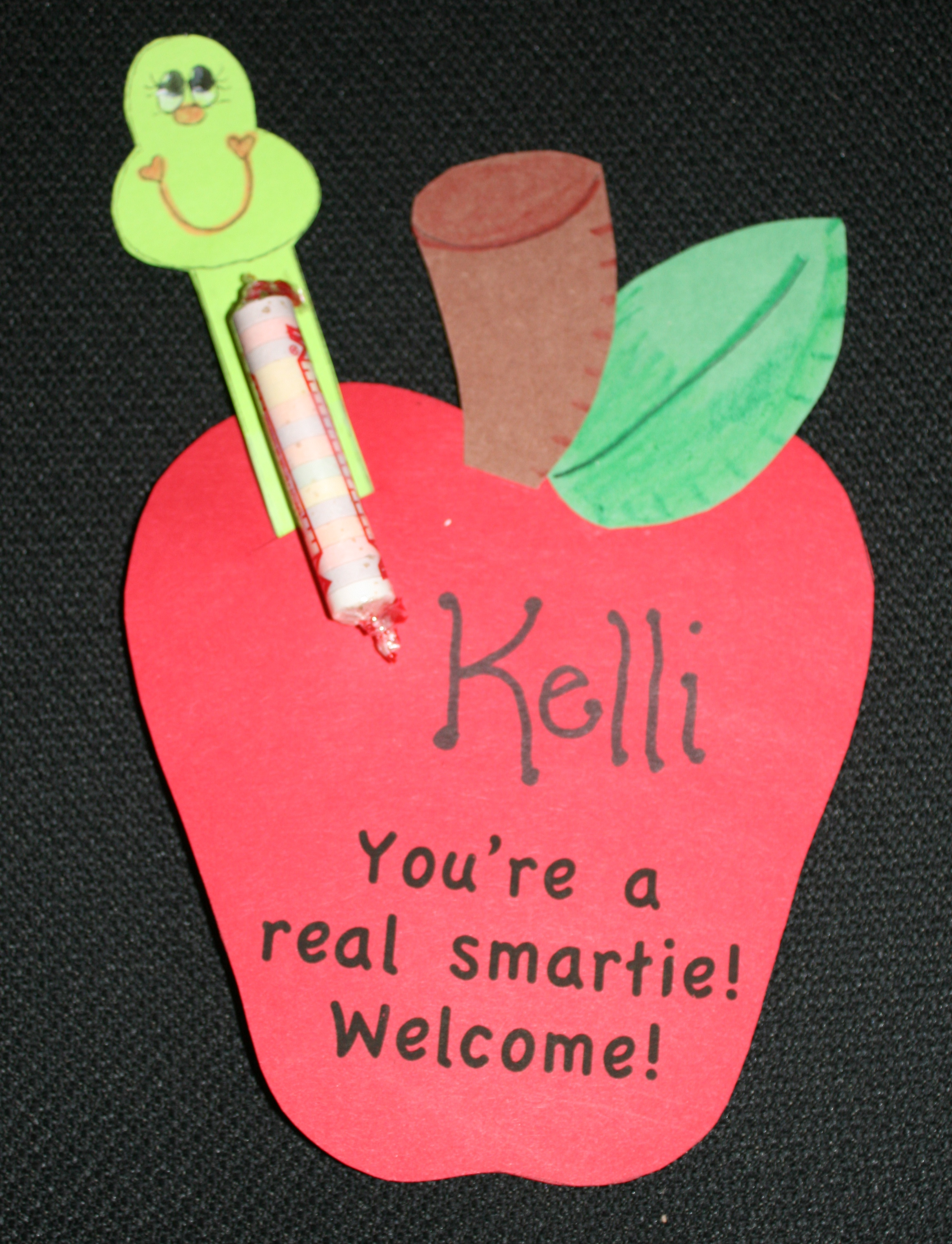 apple name, apple art, ideas for learning names, ideas for the first day of school, ideas for back to school,